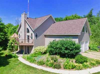 Janesville Single Family Home For Sale: 7527 W Mineral Point Rd
