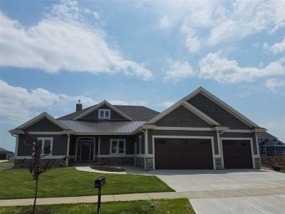 Waunakee Single Family Home For Sale: 2606 Genevieve Way