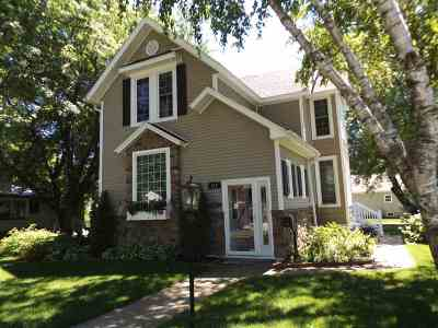 Wisconsin Dells Single Family Home For Sale: 512 Washington Ave