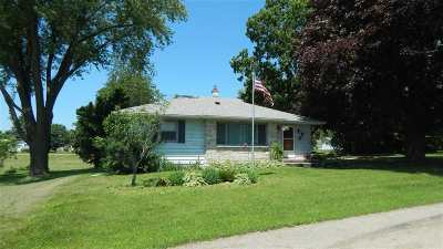 Iowa County Single Family Home For Sale: 703 Hughit St