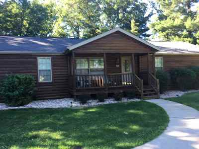 Wisconsin Dells Single Family Home For Sale: 333 Dogwood Ln