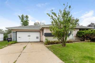 Janesville Single Family Home For Sale: 1611 Anthony Ave