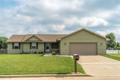Janesville Single Family Home For Sale: 3865 Lucey St