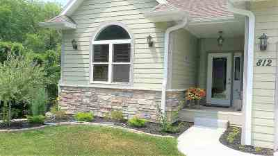 Dodge County Single Family Home For Sale: 812 Madison St