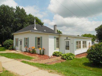 Iowa County Single Family Home For Sale: 408 Main St