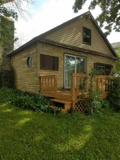 Edgerton Single Family Home For Sale: 458 E Richardson Springs Rd