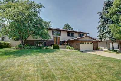 Waunakee Single Family Home For Sale: 104 Winston Way