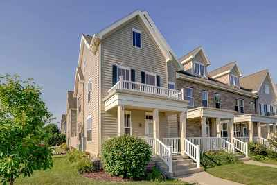 Fitchburg Condo/Townhouse For Sale: 11 S Gardens Way