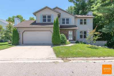 Fitchburg Single Family Home For Sale: 6107 Pine Cone Way