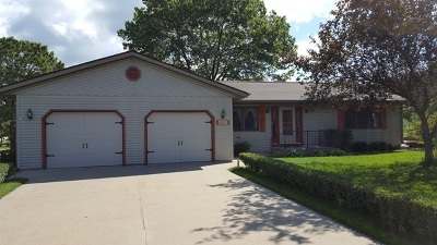 Pardeeville Single Family Home For Sale: N6312 Hillcrest Rd
