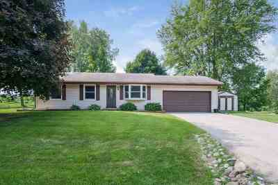 Oregon WI Single Family Home For Sale: $237,000