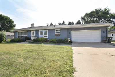 Sun Prairie Single Family Home For Sale: 1310 Wagner Ct