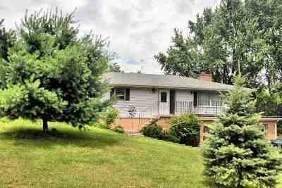 Wisconsin Dells Single Family Home For Sale: 890 Meadow Ln