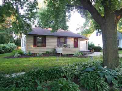 Middleton Single Family Home For Sale: 7017 Elmwood Ave