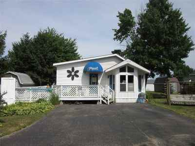 Sauk County Single Family Home For Sale: 76 Dog Leg Dr