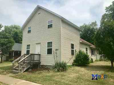 Sauk County Single Family Home For Sale: 305 Madison St