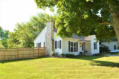 Walworth County Single Family Home For Sale: 233 N Fremont St