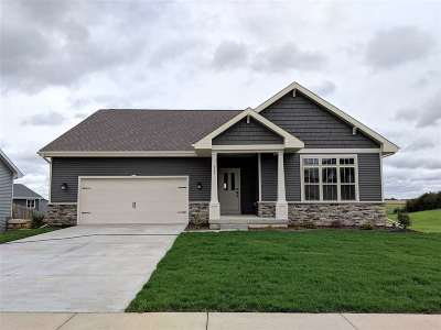 Mount Horeb WI Single Family Home For Sale: $365,000