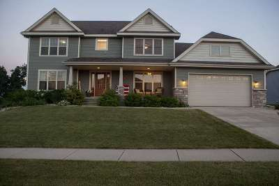 Deerfield WI Single Family Home For Sale: $367,000
