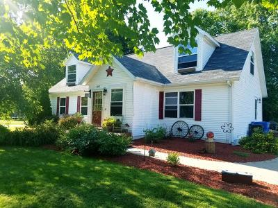 Green County Single Family Home For Sale: 1007 15th St