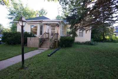 Rock County Single Family Home For Sale: 422 Allen St
