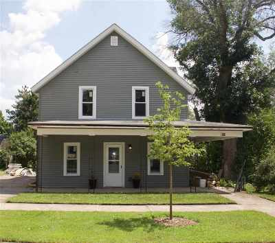 Columbia County Single Family Home For Sale: 320 E Marion St