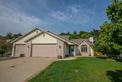 Sauk County Single Family Home For Sale: 813 Hanksfield Pl