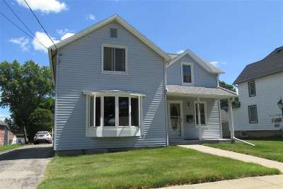 Dodge County Single Family Home For Sale: 711 Madison St