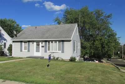 Dodge County Single Family Home For Sale: 309 Rosendale St
