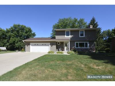 Deforest Single Family Home For Sale: 512 Woodvale Dr