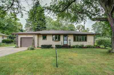Dane County Single Family Home For Sale: 717 Acewood Blvd