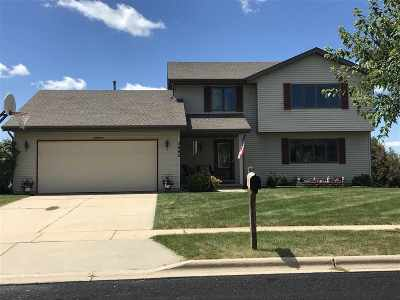Dane County Single Family Home For Sale: 5802 Juniper Ridge