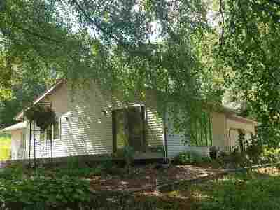 Mazomanie Single Family Home For Sale: 5499 Reeve Rd