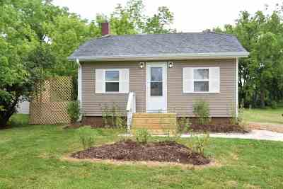 Walworth County Single Family Home For Sale: 105 Pleasant St