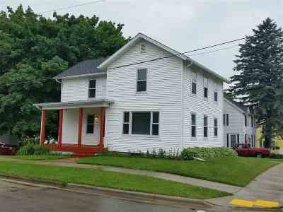 Stoughton Single Family Home For Sale: 902 & 908 Summit Ave