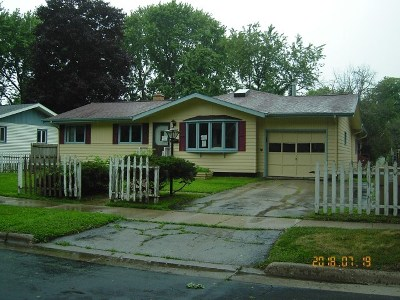 Madison WI Single Family Home For Sale: $154,900