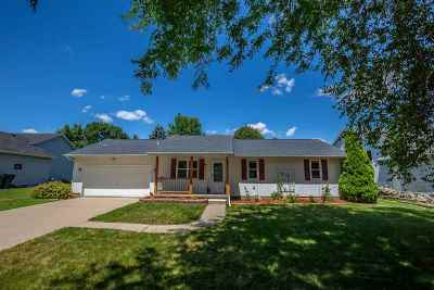 Sun Prairie Single Family Home For Sale: 646 Robin Dr