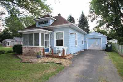 Beloit Single Family Home For Sale: 2050 E Bradley St