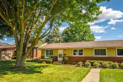 Waunakee Single Family Home For Sale: 424 Patrick Ave