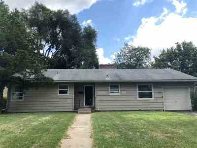 Single Family Home Sold: 1 Hiawatha Cir