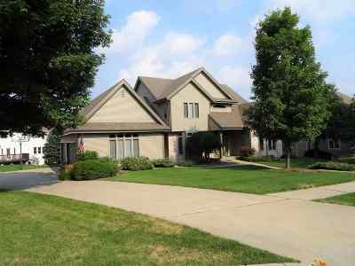 Middleton Single Family Home For Sale: 4235 Savannah Ct