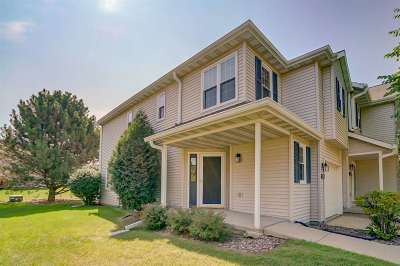Sun Prairie Condo/Townhouse For Sale: 255 N Musket Ridge Dr