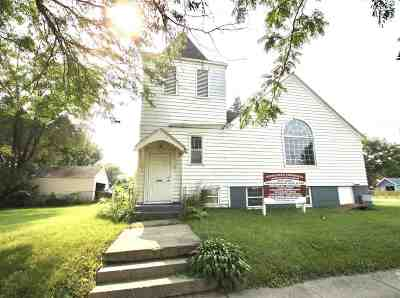 Beloit Single Family Home For Sale: 1648 Wisconsin Ave
