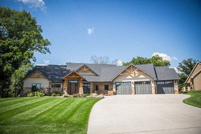 Janesville Single Family Home For Sale: 2629 Arbor Ridge Way