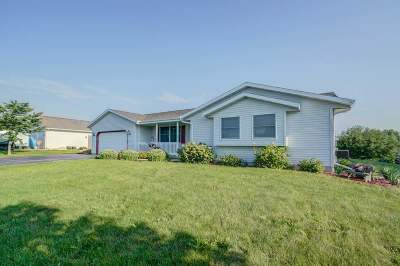 Edgerton WI Single Family Home For Sale: $254,900