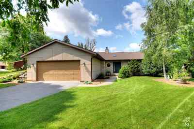 Madison Single Family Home For Sale: 18 Rough Lee Ct