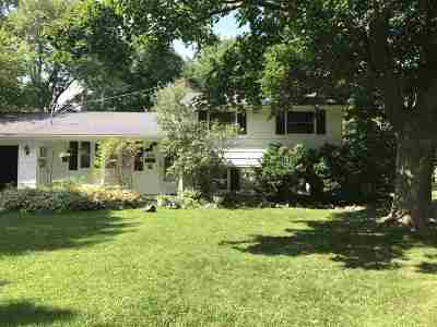 Columbus Single Family Home For Sale: 242 Sunset Rd