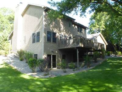 Walworth County Single Family Home For Sale: N8079 Kristy Ln