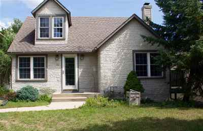 Pardeeville Single Family Home For Sale: 212 S Main St