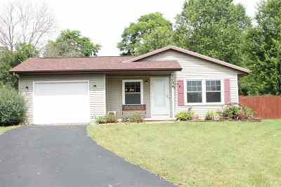 Edgerton Single Family Home For Sale: 734 Walker Way